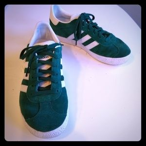 Adidas Gazelle green suede tennis shoes